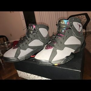 Retro 7 black and gray with color